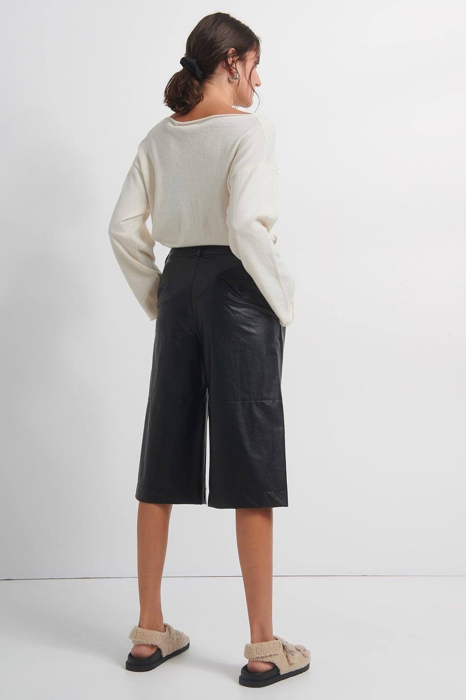 Γυναικεία Ρούχα BLACK&BLACK ΔΕΡΜΑΤΙΝΗ ΒΕΡΜΟΥΔΑ
