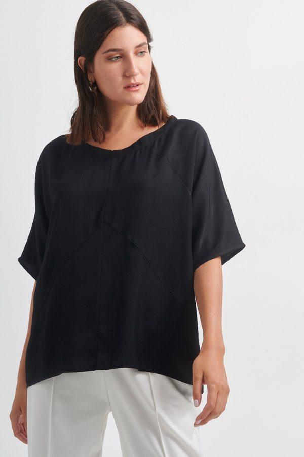 T-Shirts BLACK&BLACK ΜΠΛΟΥΖΑ ΚΟΝΤΟΜΑΝΙΚΗ