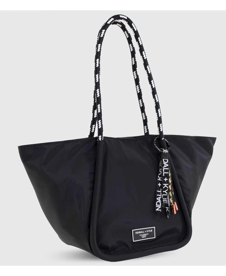 Collection Spring - Summer 2021 KENDALL+KYLIE SHOPPER EMILY