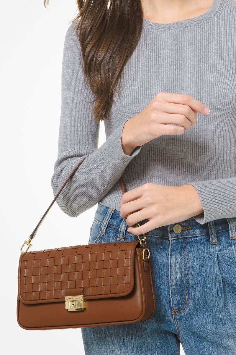 Collection Spring - Summer 2021 MICHAEL KORS BRADSHAW SMALL WOVEN LEATHER SHOULDER BAG