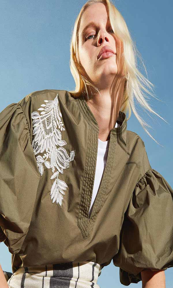 Collection Spring - Summer 2021 TWEEN-SET POPLIN BLOUSE WITH EMBROIDERY