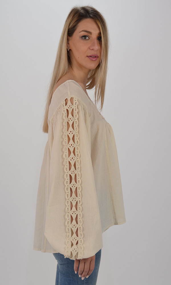 Collection Spring - Summer 2021 DEVOTION BERLIN BEIGE BLOUSE WITH LACE