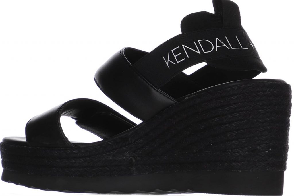 Collection Spring - Summer 2021 KENDALL & KYLIE  PRIMAL
